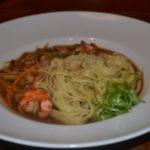 Японский суп из креветки, моркови и осьминога