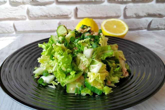 Салат из пекинской капусты, огурцов и консервированного тунца, рецепт с фото и видео