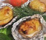 Запечённый картофель в фольге на углях
