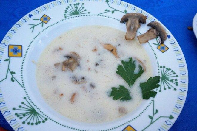 Сливочный суп-чорба с лисичками и шампиньонами, рецепт с фото