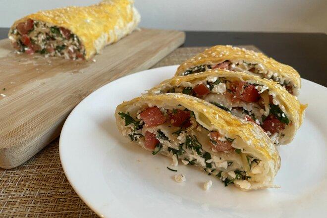 Рулет из лаваша с творогом, сыром и помидорами, рецепт с фото и видео