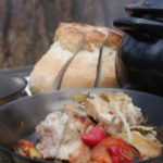 Свиные рёбрышки с овощами в горшочке на углях, рецепт с фото и видео