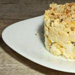 Салат с курицей, кукурузой и черносливом, рецепт с фото и видео