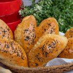Пирожки с творогом и сыром на кефире