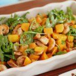 Салат с креветками, тыквой и рукколой, рецепт с фото