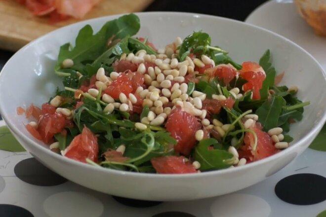 Салат с грейпфрутом, авокадо и шпинатом, рецепт с фото и видео