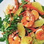 Салат с креветками, рукколой и помело, рецепт с фото