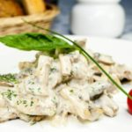 Куриное филе с классическим сливочным соусом, рецепт с фото и видео