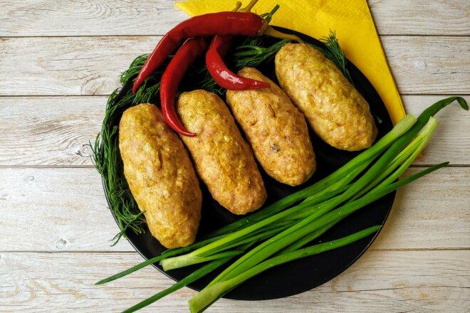 Домашние колбаски из свинины и курицы в духовке, рецепт с фото и видео