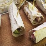 Салат в лаваше с крабовыми палочками, колбасой и кукурузой, рецепт с фото и видео