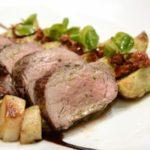 Буженина из свинины с грибами и беконом, рецепт с фото