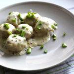 Ежики с рисом в сметанной заправке, рецепт с фото