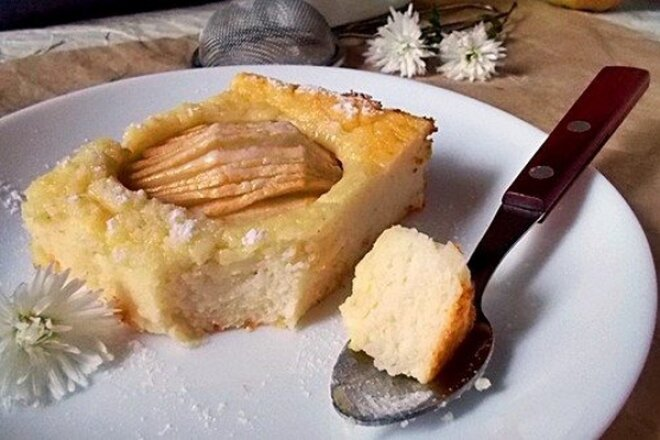 Запеканка на манной каше с яблоками и творогом, рецепт с фото