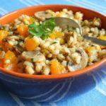 Перловка с грибами и морковью в горшочках, рецепт с фото и видео